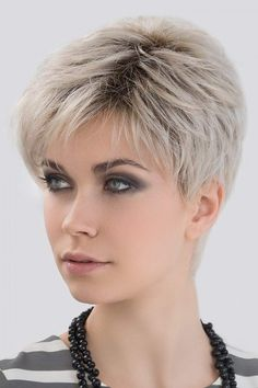 Love Comfort by Ellen Wille Wigs – Lace Front Wigs - Weißes Haar Short Grey Hair, Short Hairstyles For Thick Hair, Haircut For Thick Hair, Short Pixie Haircuts, Curly Hair Styles, Older Women Hairstyles, Short Hair Cuts For Women Over 50, Short Hair Over 60, Short Hair Older Women