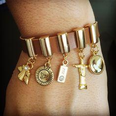 Bracelete em couro paz