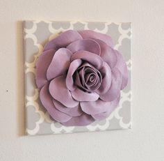 ALLE ELEMENTE WERDEN GEBILDET, UM FÜR AKTUELLE ERSTELLUNGSZEIT SIEHE SHOP BESTELLEN!!! Große lila Rose Blume auf neutralen grauen Tarika Leinwand 12 x