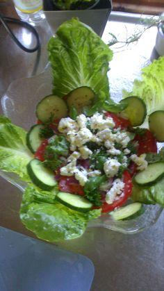 Romansallad med tomat,persilja och fetaost Zucchini, Salads, Tacos, Mexican, Vegetables, Ethnic Recipes, Food, Essen, Vegetable Recipes