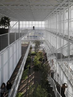 Intesa Sanpaolo Office Building / Renzo Piano Building Workshop  imagine the whole city with light weight structures, breathable spaces. that could be something