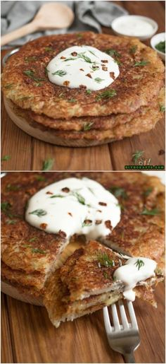 Crispy Potato Pancakes Put A Delicious Spin On A Traditional Breakfast Recipe Photos by DIYnCrafts team. Crispy Potato Pancakes Put A Delicious Spin On A Traditional Breakfast Recipe Gourmet Recipes, Cooking Recipes, Skillet Recipes, Cooking Tips, Crispy Potatoes, Breakfast Potatoes, Potato Dishes, Spin, Savoury Cake