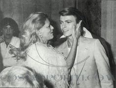 """There is no woman on this planet that didn't fell in love with him. """"When Melina Mercouri met David Bowie in Cannes 1978 photo by: Greek Embassy in… Die A, David Bowie Starman, The Thin White Duke, Major Tom, Ziggy Stardust, Cannes Film Festival, Rare Photos, Foto E Video, My Idol"""