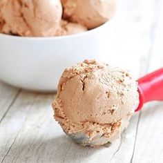 I know I told you that I was more excited to share my S'mores Truffles with you than any other recipe we've made, but this Nutella Ice Cream is a close second, if not a Tin Foil Dinners, No Bake Banana Pudding, Easter Side Dishes, Snickerdoodle Recipe, Sweet Cornbread, Layered Desserts, Baked Ham, Baked Banana, Frozen Yogurt