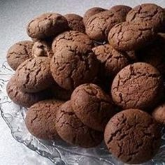 A peanut butter cookie made with cake mix and crunchy peanut butter. Cake Mix Cookie Recipes, Cake Mix Cookies, Cookie Desserts, Chocolate Cake Mixes, Chocolate Chip Oatmeal, Chocolate Chip Cookies, Peanut Butter Roll, Peanut Butter Cookie Recipe, Vegetarian Cake