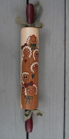 Hand Painted GINGERBREAD MEN on VINTAGE WOODEN ROLLING PIN ~ Sweeties~ Homespun