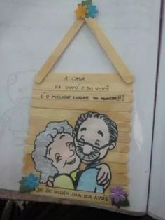 lembrancinhas para o dia dos avós Grandparents Day Crafts, Mothers Day Crafts, Family Drawing, Diy Back To School, Decorate Notebook, Family Crafts, 3d Paper, Preschool Crafts, Art Lessons