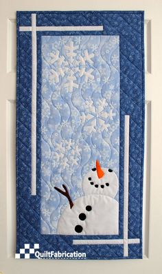 """Let It Snow Wall Hanging - Made with """"Let It Snow Snowman Banner - Christmas Caroling Row Along Idea for finishing a boarder Christmas Quilt Patterns, Christmas Sewing, Christmas Crafts, Christmas Quilting, Christmas Aprons, Xmas, Christmas Tables, Purple Christmas, Coastal Christmas"""