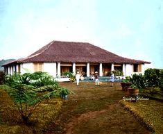 Kediaman pemilik perkebunan  teh Arjasari di selatan Bandung sekitar tahun 1880. Dutch East Indies, Java, Colonial, Gazebo, This Is Us, Outdoor Structures, History, House Styles, City