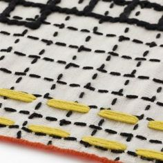 Bandas Single Rug D Features: - Bandas Collection - Designed by Patricia Urquiola - Manufacturing technique: MIX OF TECHNIQUES (HAND LOOM+EMBROIDERY+CROCHET) - Material: 100% virgin wool, Velcro 100 %
