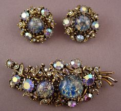 Vintage Costume Jewelry Price Guide: Hollycraft 1958 Brooch & Earring Set