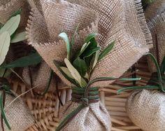 31 ideas olive tree wedding favor for 2019 Burlap Wedding Favors, Burlap Favor Bags, Creative Wedding Favors, Inexpensive Wedding Favors, Wedding Favors For Guests, Personalized Wedding Favors, Wedding Gifts, Wedding Cake, Wedding Ribbons