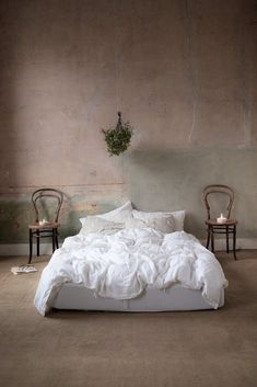 Bedroom old plaster walls