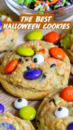 Halloween Cookie Recipes, Halloween Cookies Decorated, Halloween Sugar Cookies, Halloween Baking, Halloween Desserts, Halloween Food For Party, Holiday Recipes, Halloween Halloween, Halloween Treats