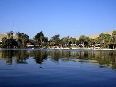 Otra foto de la laguna Huacachina.