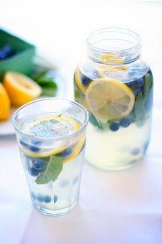 blueberry mint lemonade - it looks good. now add a bit of blueberry vodka and its the perfect summer cocktail! Refreshing Drinks, Fun Drinks, Yummy Drinks, Healthy Drinks, Beverages, Yummy Food, Tasty, Cold Drinks, Delicious Recipes
