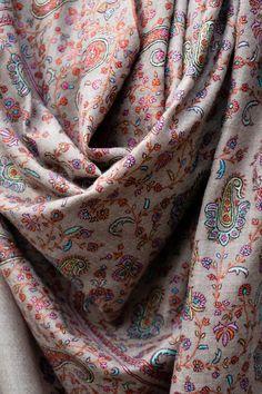 Handmade Pashmina Shawl Wrap Made in Kashmir