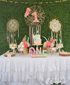 #FBF to this oh so dreamy PowWow!! Definitely still one of my favorite events! Cake by @cakesbyrc Cookies by @youcancallmesweetie Beigadeiros & Oreos by @sugarloafbrigaderia Every single piece of sweet on this table was to die for!!! Thank you ladies! #PowWow #MiamiKidsEvents #ValashEvents