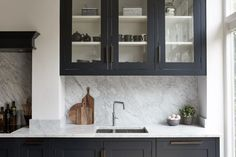 Virtuoso - Mowlem & Co Beskpoke and Handmade Kitchens Kitchen Living, New Kitchen, Kitchen Decor, Kitchen Ideas, Kitchen Inspiration, Living Room, Kitchen Triangle, House Extension Design, Scandinavian Kitchen