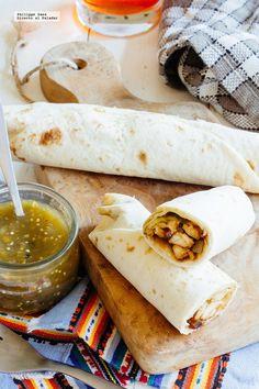 Burritos de pollo y queso. Receta mexicana fácil