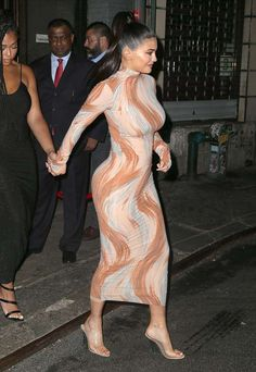 Long Sleeve Printed Midi Dress Nude - Kylie Jenner - Midi Dresses and Celebrity Inspired Fashion - - Kylie Jenner Outfits, Mode Kylie Jenner, Kylie Jenner Fashion, Kylie Jenner Baby, Sexy Outfits, Sexy Dresses, Fashion Outfits, Midi Dresses, Estilo Kylie Jenner
