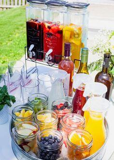Sangria Bar, Cocktails Bar, Mimosa Bar, Bar Drinks, Summer Cocktails, Baby Shower Cocktails, Apple Sangria, Alcoholic Drinks, Peach Sangria