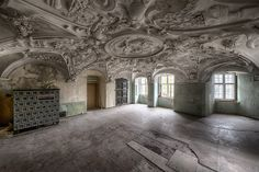 'Can I climb a castle wall To see what's behind the door.' by Vandycke Anneleen Abandoned Castles, Abandoned Mansions, Abandoned Places, Haunted Places, Old Buildings, Abandoned Buildings, Scary Houses, Desert Places, Castle Wall