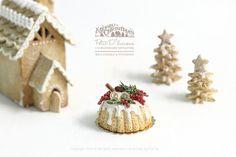 Winter Berry Foliage cake in 1/12 Dollhouse Miniature Cake