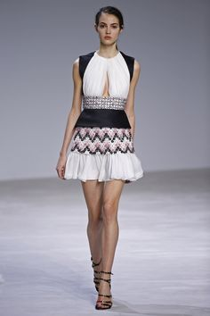 Giambattista Valli | Haute Couture - Spring 2016 | Look 25