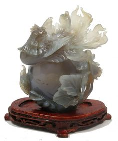 Fênix (ave do paraíso), Bela escultura oriental em pedr..