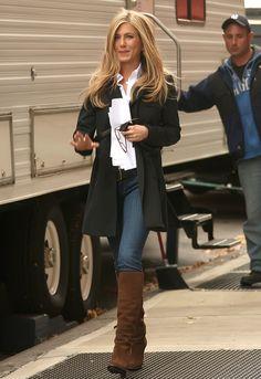 Jennifer Aniston Boots | Jennifer Aniston with boots over skinny jeans
