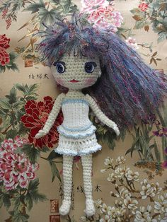 https://flic.kr/p/6KabDW | Iris1 | Iris with Moonlight Mohair hair from Lionbrand and lovely Suncatcher eyes.