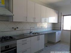 SENHOR FAZ TUDO - Faz tudo pelo seu lar !®: Montagem de uma cozinha Brico Depot em Mem Martins...