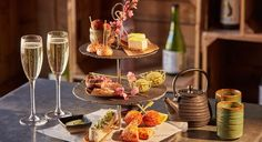 Afternoon tea is an English tradition: every day tourists and Londoners alike…