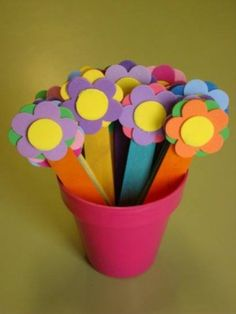 Mothers Day Gifts – Gift Ideas Anywhere Popsicle Crafts, Craft Stick Crafts, Preschool Crafts, Fun Crafts, Craft Ideas, Tin Can Flowers, Metal Flowers, Diy For Kids, Crafts For Kids
