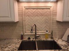 Diy Kitchen Remodel, Kitchen Tops, Bathroom Lighting, Facebook, Mirror, Furniture, Home Decor, Bathroom Light Fittings, Bathroom Vanity Lighting