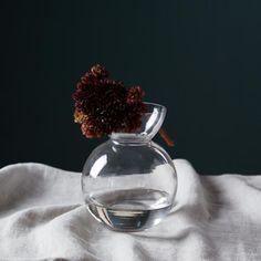 Hyacint 14cm Vase 6,95 #maljakko #piensisustus #hemtex Wine Decanter, Barware, Vase, Bar Accessories, Flower Vases, Vases, Flowers Vase, Glas, Jars