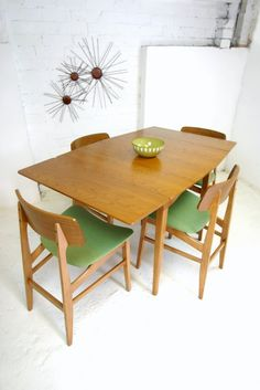 Wish I could find this identical dining set somewhere!