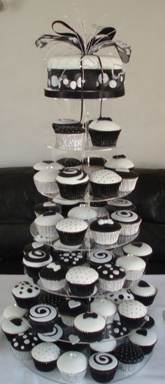 Black And White Wedding Cupcake Tower Fondant covered cupcakes, the crystal topper is also hand made by me. The cupcakes are vanilla filled. White Wedding Cupcakes, Black And White Cupcakes, Cupcake Tower Wedding, Black And White Wedding Cake, Wedding Cake Red, White Cakes, Black White, Cupcake Towers, Chocolate Cupcakes Filled