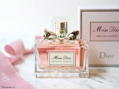 Miss Dior Absolutely Blooming Miss Dior, Perfume Scents, Perfume Bottles, Bath And Body Perfume, Perfume Chanel, Love Makeup, Smell Good, How To Look Pretty, Girly Things