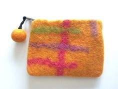 A useful little felt purse to purse to put all those little things that can get lost in your handbag - keys, coins, lippies, feminine products, memory sticks....