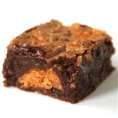 Chocolate Peanut Butter Butterfinger Brownies: Over the top decadent... in a good way.  #dessert