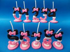Minnie mouse velas perzonalizadas en porcelana fria Number 1 Cake, Number Cake Toppers, Fondant Toppers, Character Cakes, Disney Cakes, Clay Food, Fondant Figures, Ideas Para Fiestas, Cake Boss