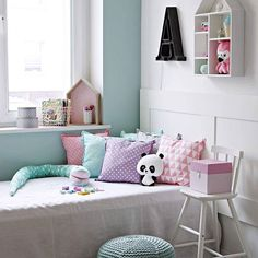 Pokój dziewczynki  #room #interior #interiordecor #pillows #girl #childhood #poznan #lenafrydrych #kidsdecor #mint #pink #whiteinterior