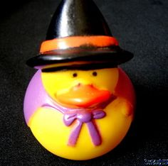 """Rubber Duck HALLOWEEN WITCH Duckie NEW 2"""" Trick or Treat Party Favor Gift Tie"""
