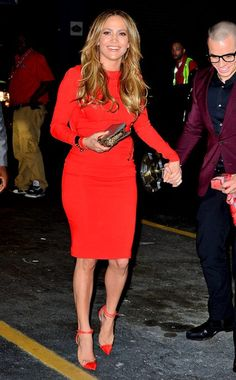 Check out this astonishing dress JLo wore for her 43rd Bday party.