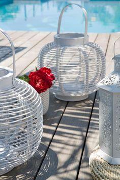 Love outdoor lanterns EVERYWHERE!