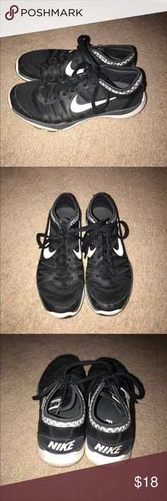Nike Running Shoes Adorable black Nike sneakers. These are pre-loved, but still have life left. They're so comfy! I can try to get them cleaner before shipping. No trades. Nike Shoes Sneakers