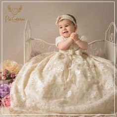 El amor está en los detalles ❣️ Girls Dresses, Flower Girl Dresses, Wedding Dresses, Flowers, Fashion, Amor, Blue Prints, Dresses Of Girls, Bride Dresses