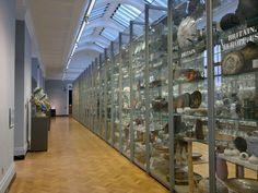 Visible_storage,_porcelain_galleries,_Victoria_&_Albert_Museum.jpg (4000×3000)